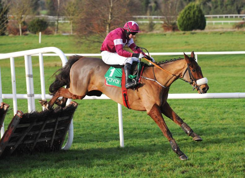 LAWLOR'S HOTEL NOVICES HURDLE (GR1) - Death Duty réussit la passe de quatre, Gordon Elliott devant Willie Mullins