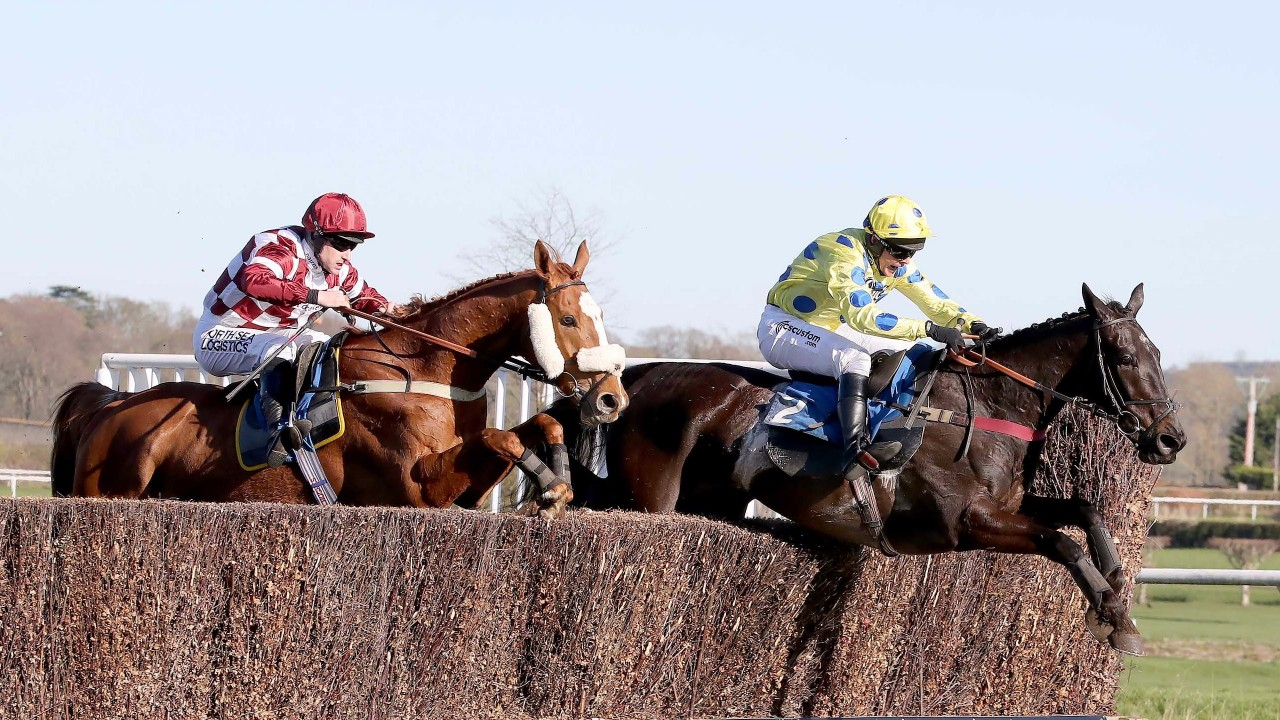 GRAND NATIONAL TRIAL HANDICAP CHASE (GR3) - Yala Enki pose ses jalons pour le Grand National