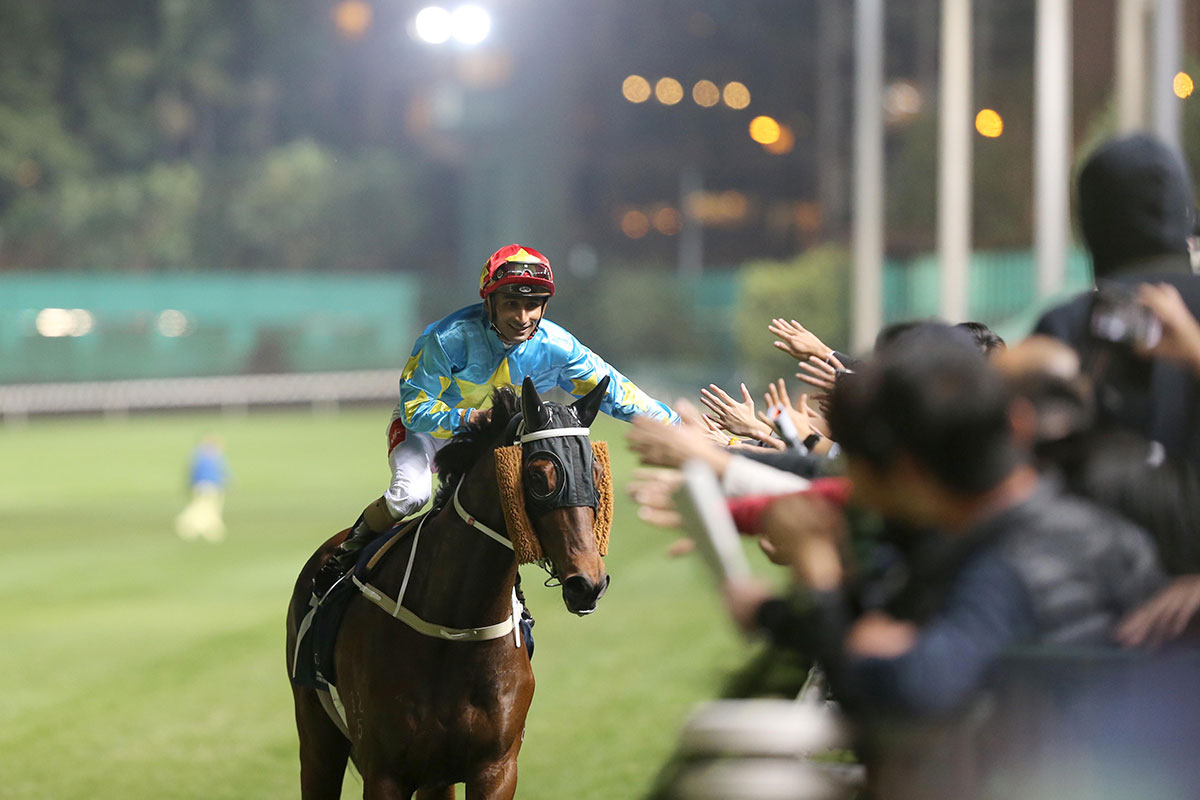 CHAMPIONNAT INTERNATIONAL DES JOCKEYS DE HONGKONG - Solide comme du Teetan